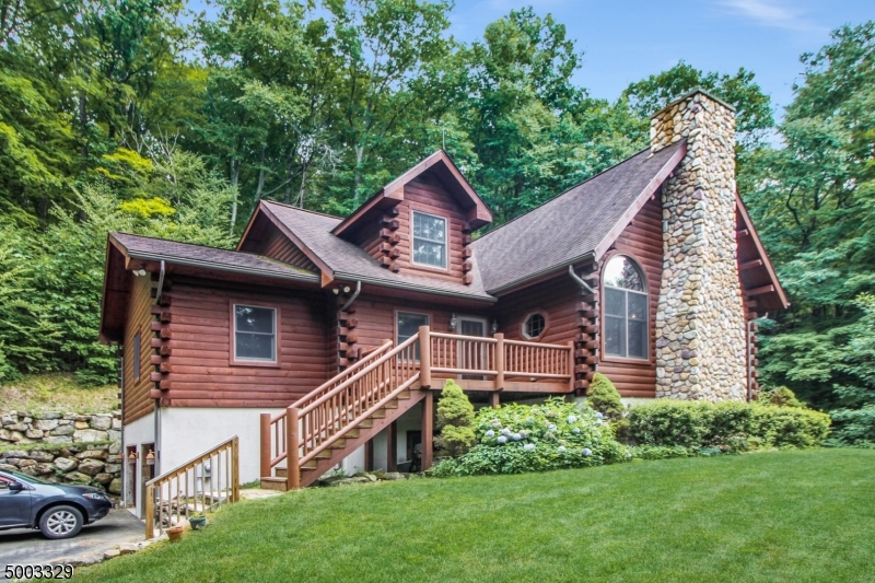 Photo of home for sale at 155 KNOWLTON RD, Knowlton Twp. NJ