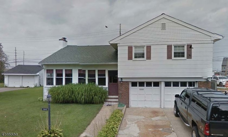 Photo of home for sale at 104 Ceylon Ave, Berkeley Twp. NJ