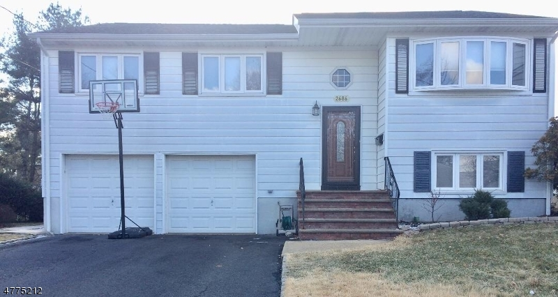 Property for sale at 2686 Hus Ct, Union Twp.,  NJ  07083