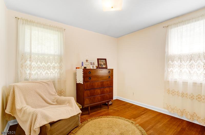 28 LEXINGTON DR Livingston Twp., NJ 07039 - MLS #: 3478495