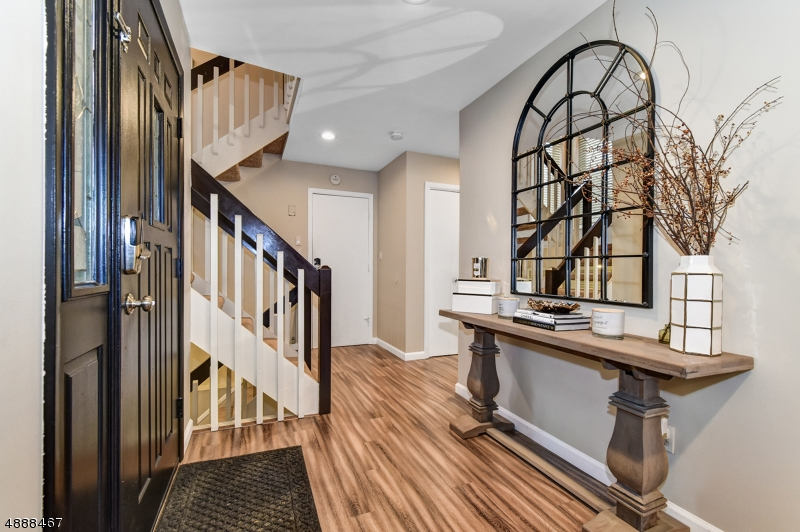 Photo of home for sale at 23 STONEGATE DR, Watchung Boro NJ