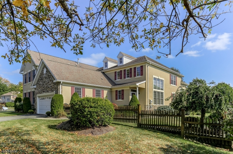 Photo of home for sale at 11 BROWN CT, Chester Twp. NJ