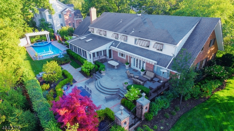 Photo of home for sale at 950 MINISINK WAY, Westfield Town NJ