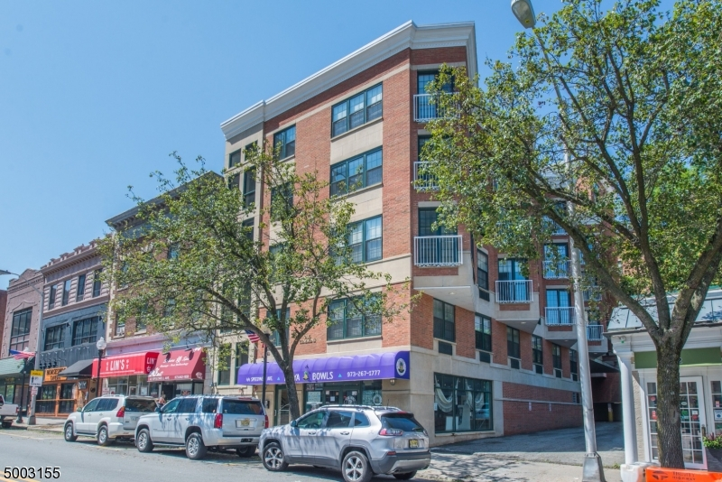 Photo of home for sale at 7 PROSPECT ST 809, Morristown Town NJ