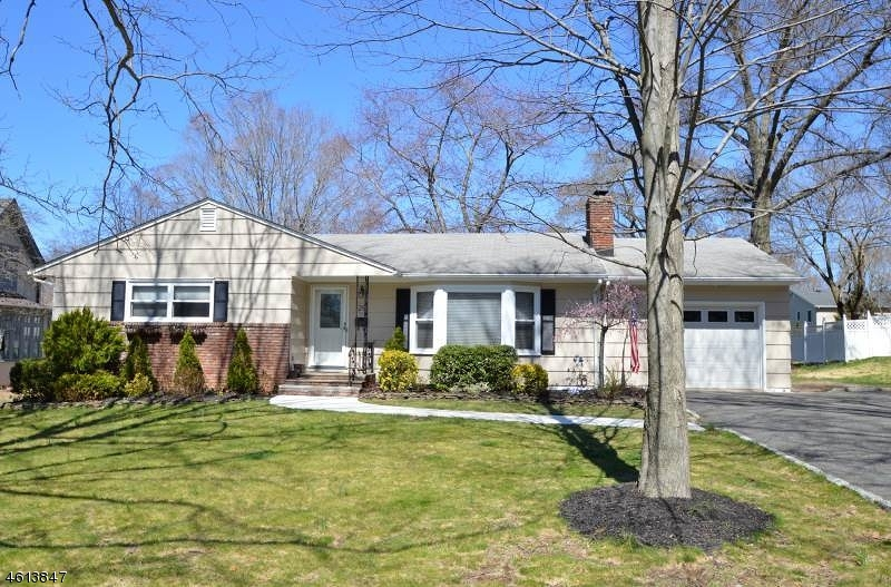 Property for sale at 29 Roosevelt Blvd, Florham Park Borough,  NJ 07932