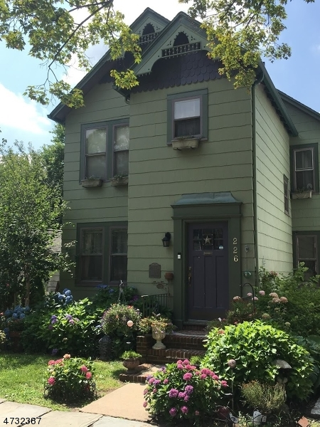 226 Baldwin St, Glen Ridge Boro Township, NJ 07028