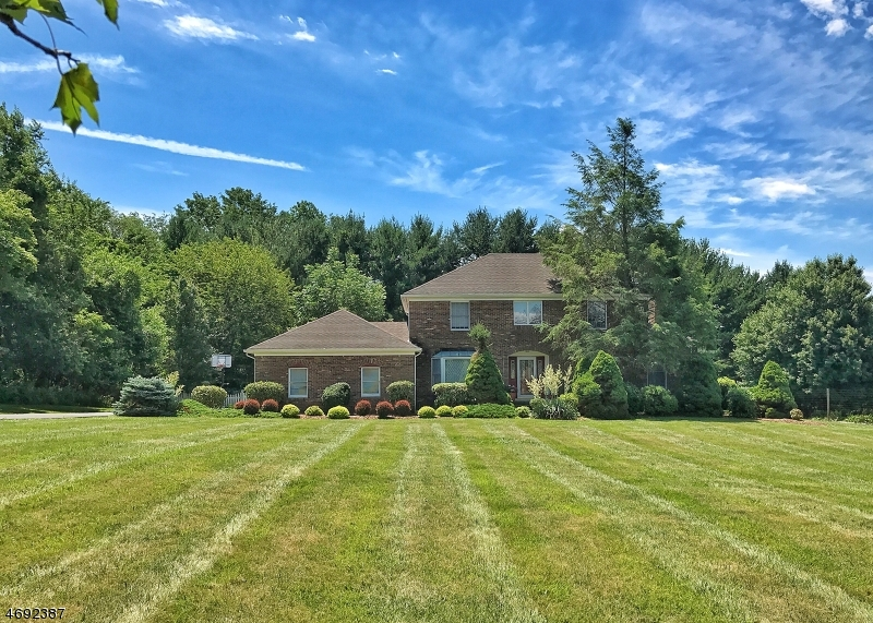 Property for sale at 17 Stacey Dr, Clinton Twp.,  NJ 08801