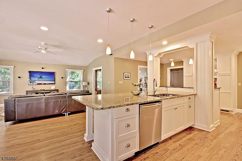 37 Rogers Pl Berkeley Heights Twp., NJ 07922 - MLS #: 3422496