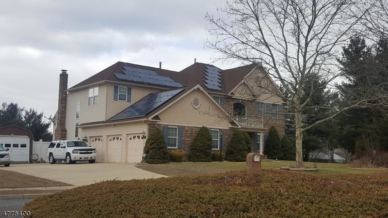 Photo of home for sale at 2 Brandywine Dr, Hainesport Twp NJ