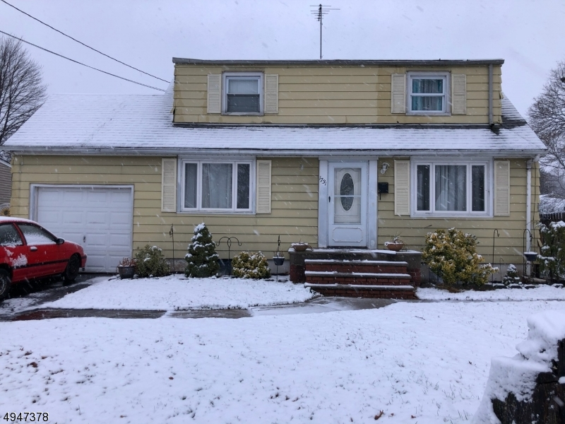 Photo of home for sale at 1731 S CENTRAL AVE, South Plainfield Boro NJ