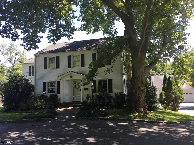 Photo of home for sale at 100 GLENSIDE AVE, Summit City NJ