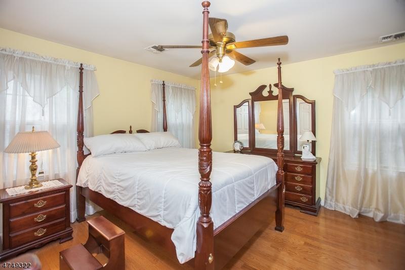 46 Amethyst Ln Paterson City, NJ 07501 - MLS #: 3421497