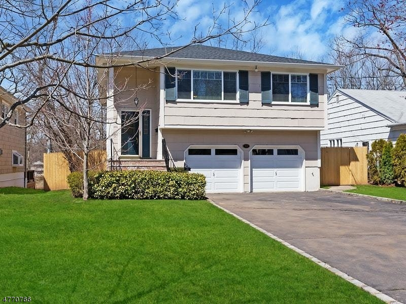 Property for sale at 54 Grant Ave, New Providence Boro,  NJ  07974