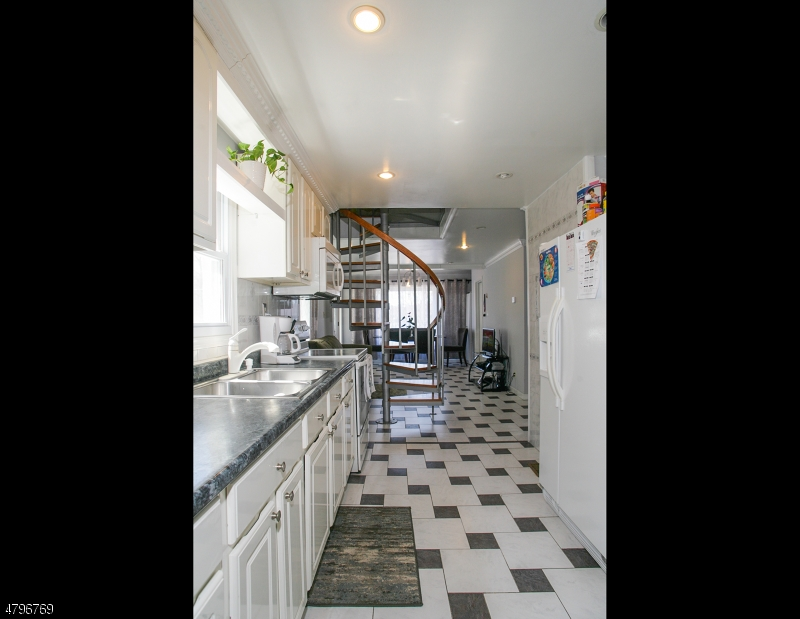 4 Windemere Ave Mount Arlington Boro, NJ 07856 - MLS #: 3463797
