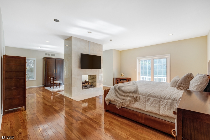 41 LAURA DR Cedar Grove Twp., NJ 07009 - MLS #: 3478897