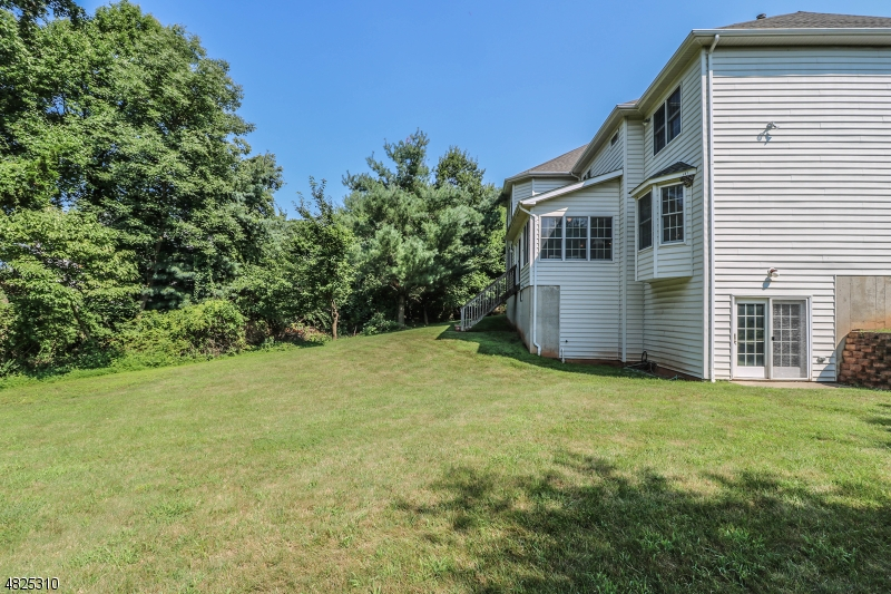 25 RARITAN PL Bernards Twp., NJ 07920 - MLS #: 3490597