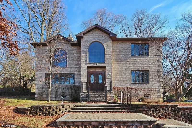Photo of home for sale at 630 SNYDER AVE, Berkeley Heights Twp. NJ