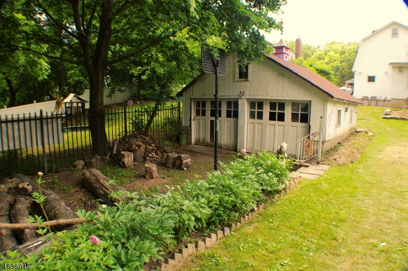 Photo of home for sale at 15 Wausau St, Ogdensburg Boro NJ
