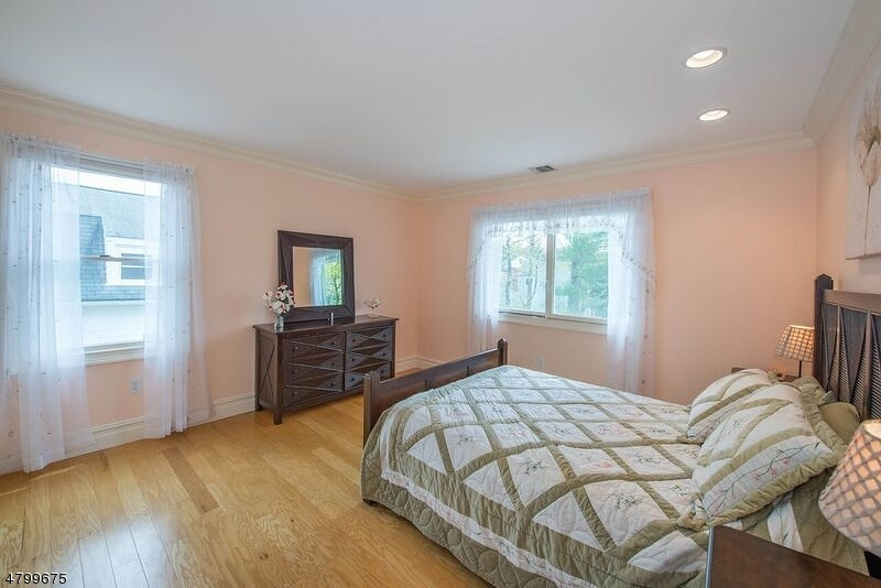 17 Willow Pl Nutley Twp., NJ 07110 - MLS #: 3467198