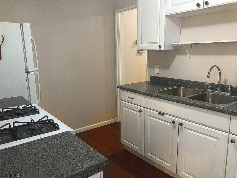 10 GRANT AVE Nutley Twp., NJ 07110 - MLS #: 3508298