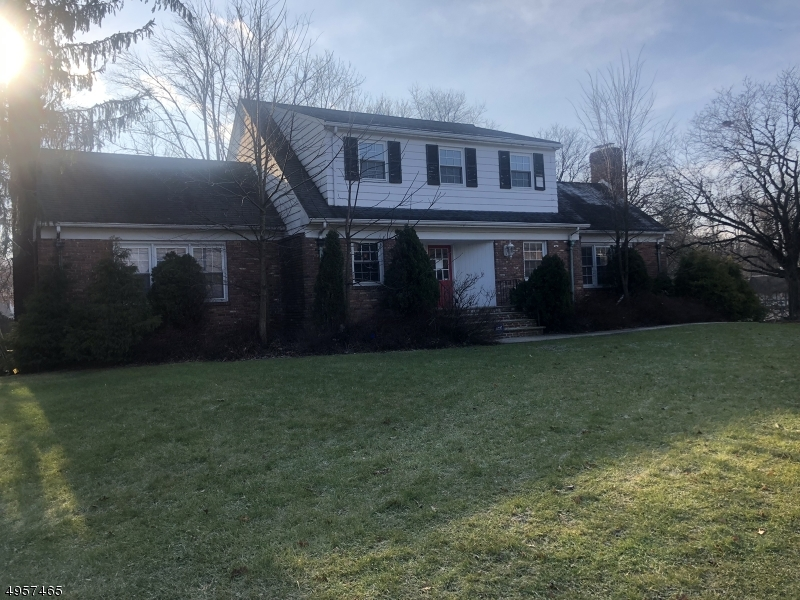 Photo of home for sale at 1429 Rt 22, Mountainside Boro