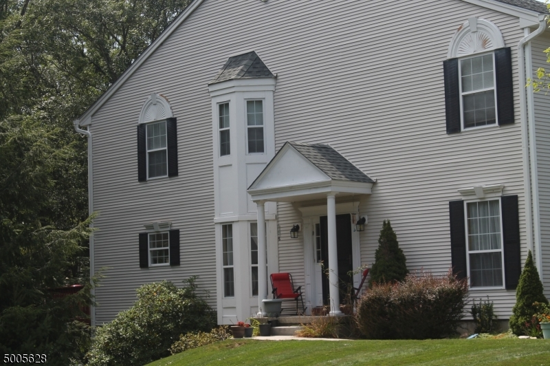 Photo of home for sale at 55 POND HOLLOW DR, Jefferson Twp. NJ