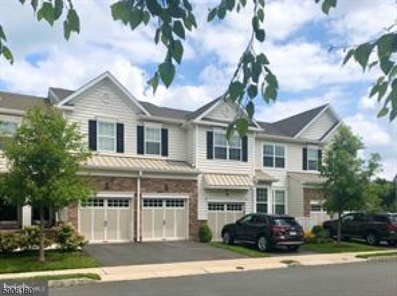 Photo of home for sale at 37 AUTUMN LN, Montgomery Twp. NJ