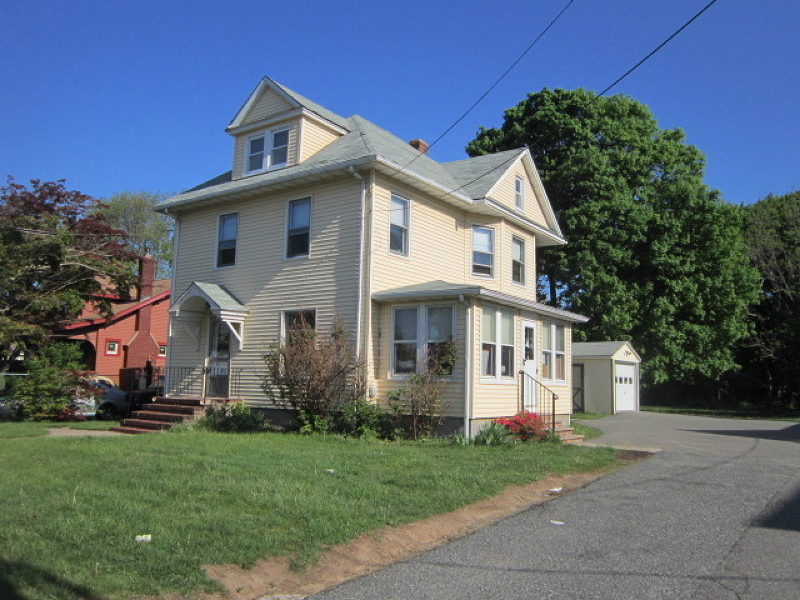 Photo of home for sale at 215 US Highway 46, Mine Hill Twp. NJ