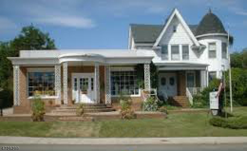 Photo of home for sale at 215 Washington Rd, Sayreville Boro NJ