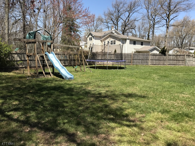 18 Devon Rd Edison Twp., NJ 08820 - MLS #: 3441499