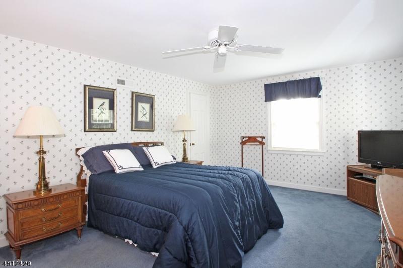 5 HATHAWAY LN Verona Twp., NJ 07044 - MLS #: 3478399