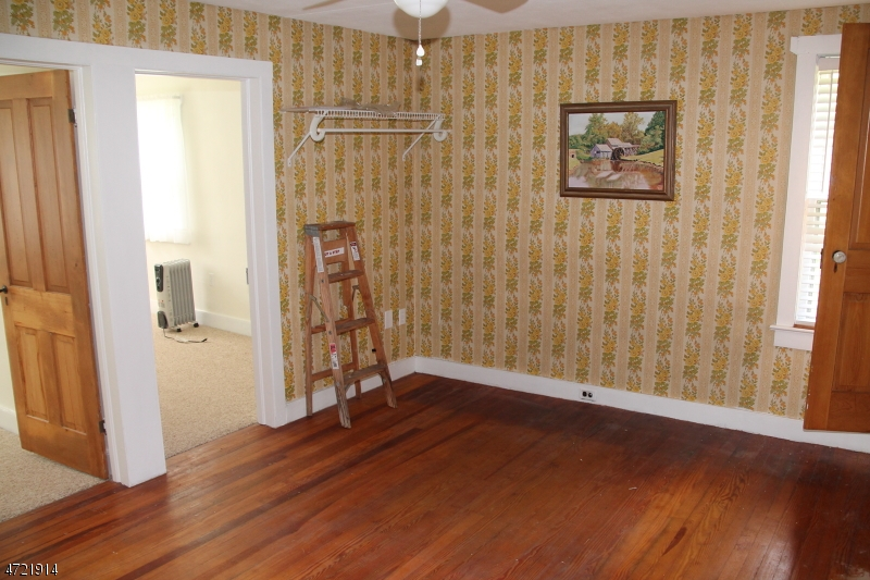 1010 MILFORD-WARREN GLEN RD, HOLLAND TWP., NJ 08804  Photo