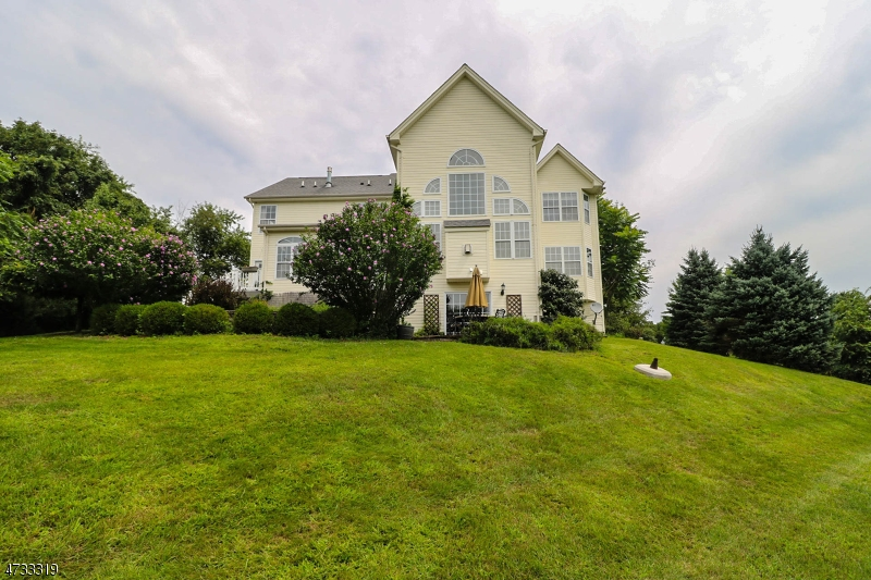 3 FOX CHASE TURN, UNION TWP. - HUNTERDON, NJ 08867  Photo