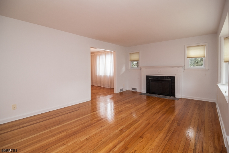 2 DEERFIELD RD, MILLBURN/SHORT, NJ 07078  Photo