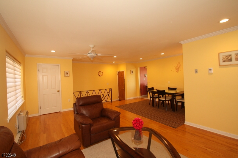 18B LAKESIDE DR, MILLBURN/SHORT, NJ 07041  Photo