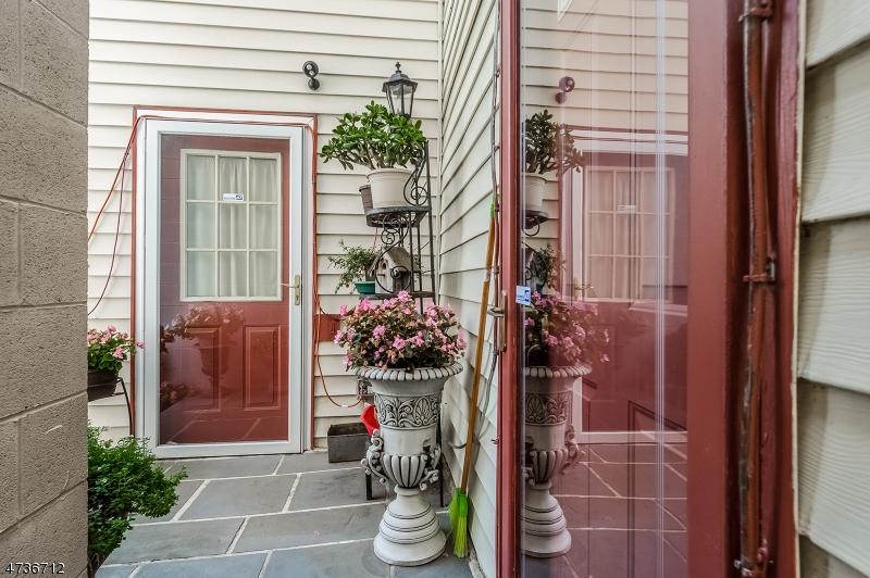 4 E MAIN ST, CLINTON TOWN, NJ 08809  Photo