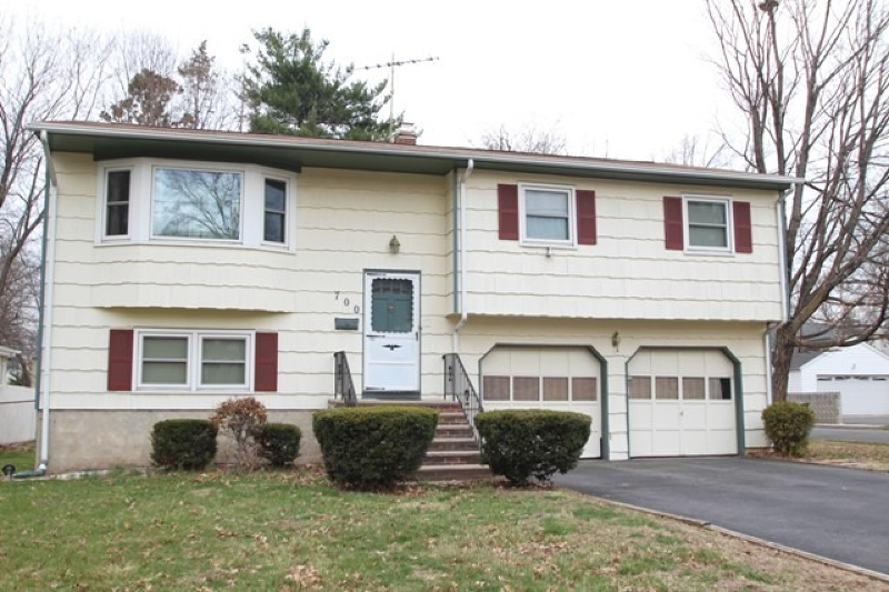 700-04 STELLE AVE Central Home Listings - Moretti Realty Central New Jersey Residential and Commercial Properties For Sale