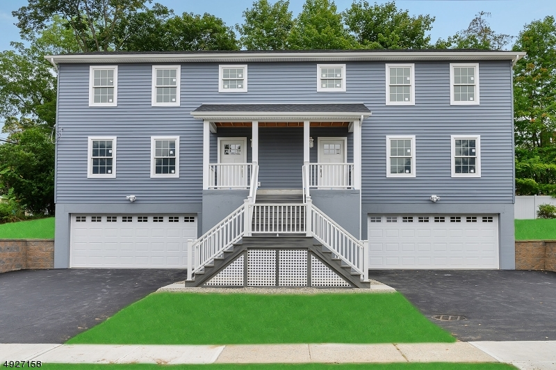 Luxury living in this nearly-new DUPLEX just minutes to all!