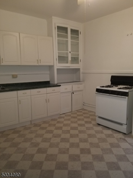 Property for sale at 325 Bloomfield Ave Unit: B, Caldwell Boro Twp.,  New Jersey 07006