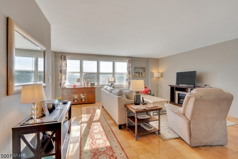 Property for sale at 926 Bloomfield Ave 7H Unit: H, Glen Ridge Boro Twp.,  New Jersey 07028