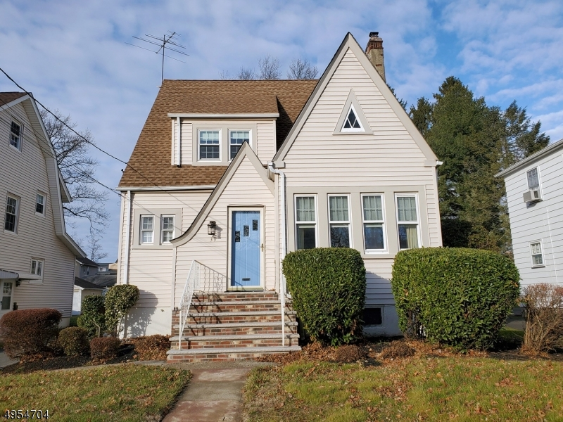Property for sale at 39 Coolidge Rd, Maplewood Twp.,  New Jersey 07040
