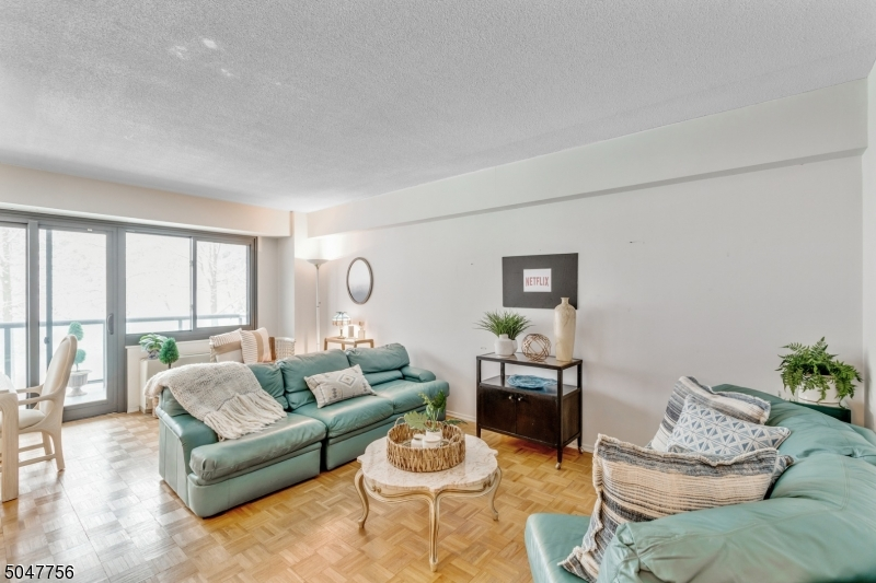 Property for sale at 609 W South Orange Ave, 4n Unit: 4N, South Orange Village Twp.,  New Jersey 07079