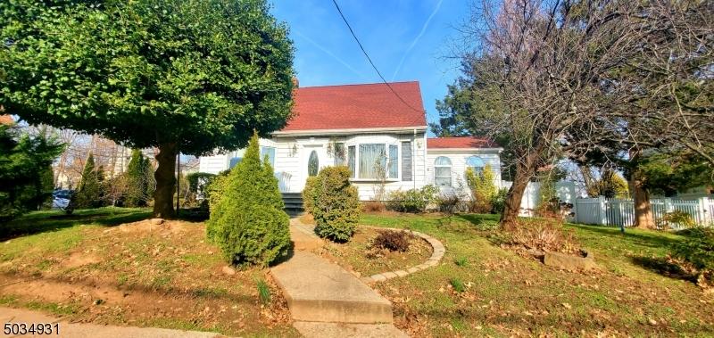 Property for sale at 142 Fort Lee Rd, Teaneck Twp.,  New Jersey 07666