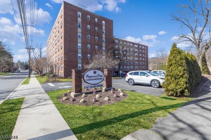 Property for sale at 465 Valley St Unit: 2L, Maplewood Twp.,  New Jersey 07040