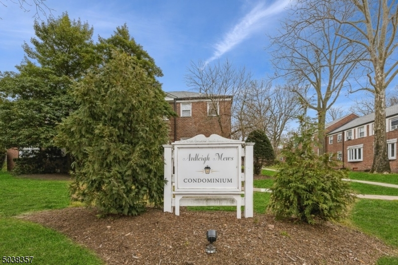 Property for sale at 349 Bloomfield Ave Unit: 95, Verona Twp.,  New Jersey 07044