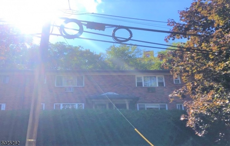 Property for sale at 33 Espy Rd Unit 3B Unit: 3B, Caldwell Boro Twp.,  New Jersey 07006