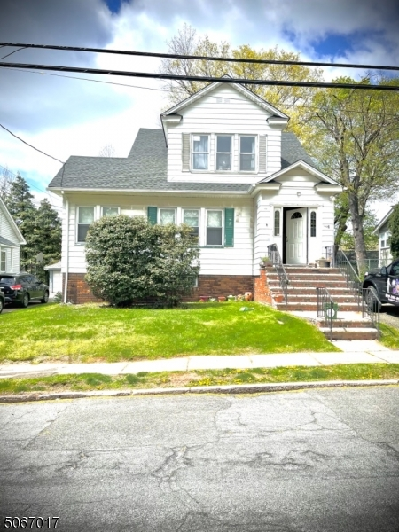 Property for sale at 19 Fernwood Rd, Maplewood Twp.,  New Jersey 07040