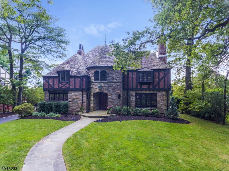 Property for sale at 48 Crest Dr, South Orange Village Twp.,  New Jersey 07079