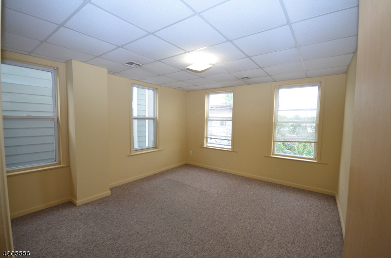 Property for sale at 101 Center St Unit: 4, Garwood Boro,  New Jersey 07027