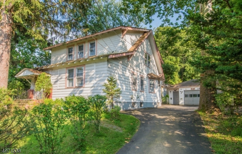 Property for sale at 242 Grandview Ave, North Caldwell Boro,  New Jersey 07006